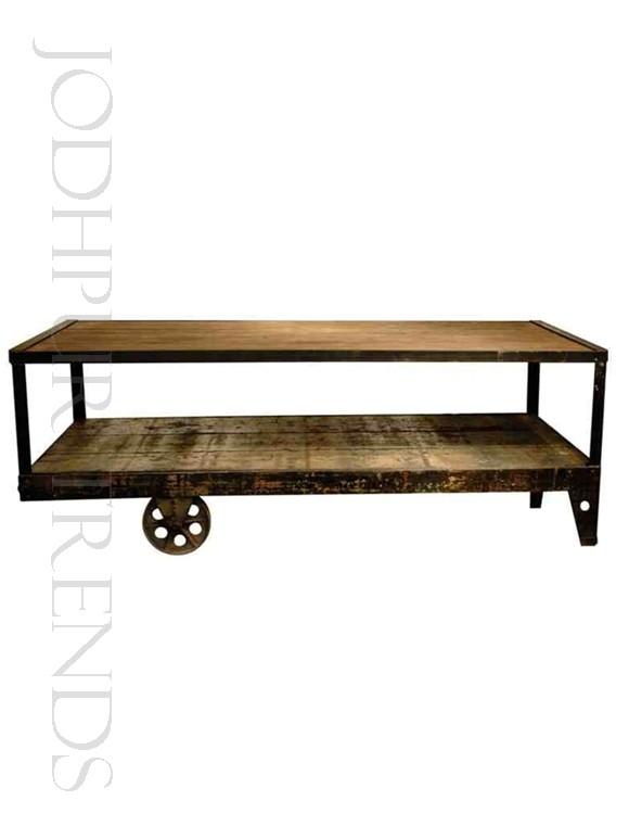 Industrial Coffee Table | Cute Cafe Tables