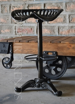 Rooftop & Outdoor Stool | Wrought Iron Outdoor Furniture