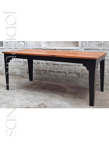Designer Restaurant Table | Modern Restaurant Furniture
