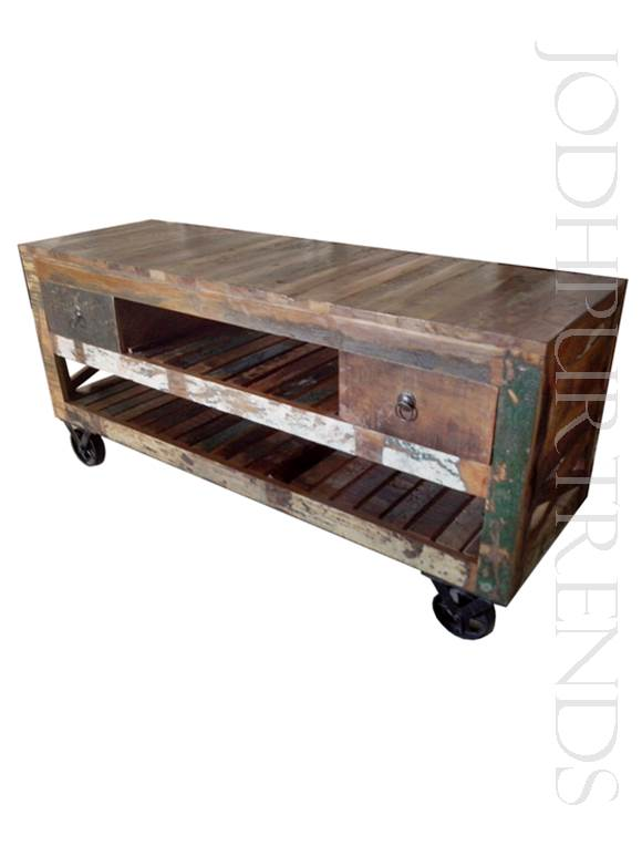 Accent Furniture in Reclaimed Wood | Rustic Bedroom Furniture