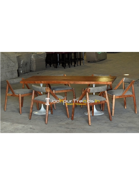Upholstered Modern Design Fine Dining Restaurant Table Set
